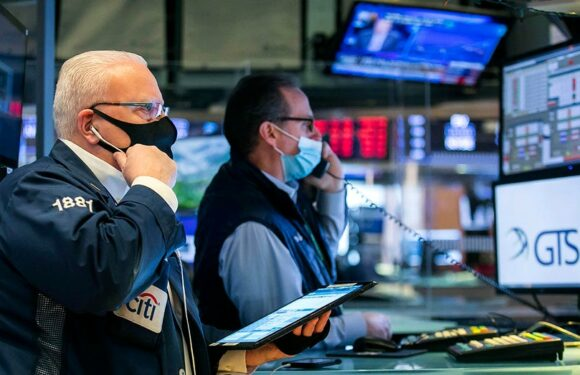 US stocks trading exchanging lower before Monday's initial chime