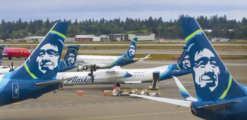 Alaska Airlines will give immunized workers $200, on hold for organization order